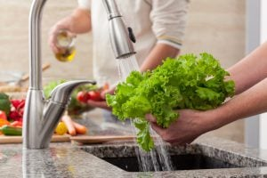 The Best Way to Clean Your Fruits and Vegetables
